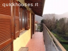 Appartamento con balcone e box