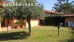 Ampia villa con ampio giardino zona residenziale.