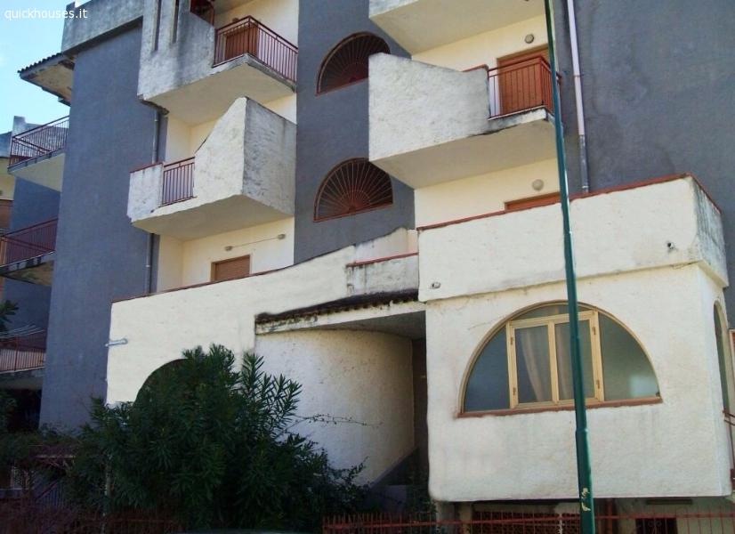 Cosenza appartamento al mare for Appartamento al mare design
