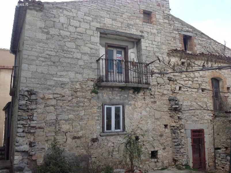 Campobasso vendesi in provvidenti casa indipendente su for Case di ranch su due livelli